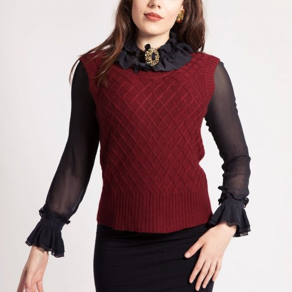 asneh knitted diamond patterned silk cashmere vest in cabernet
