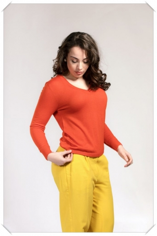 poinciana red orange v-neck cashmere sweater in fine knit