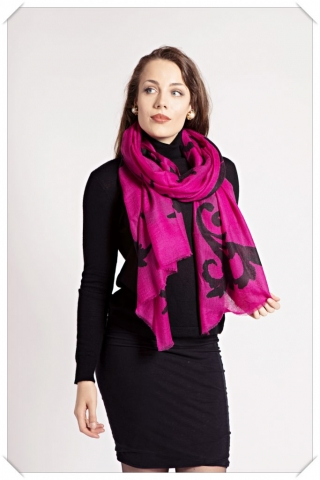 Black and pink cashmere scarf by Asneh