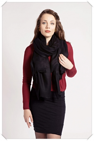 Black cashmere scarf by Asneh