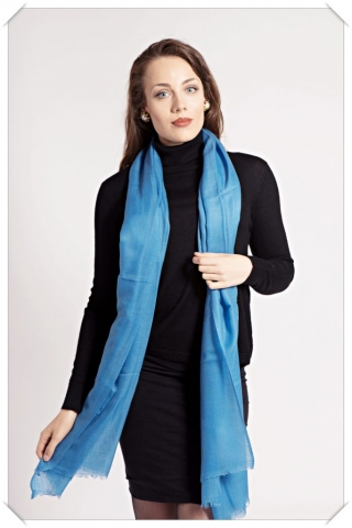 Blue cashmere scarf by Asneh
