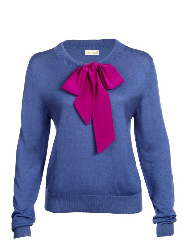 Blue Helen Sweater w. Fuchsia Pink Silk Tie