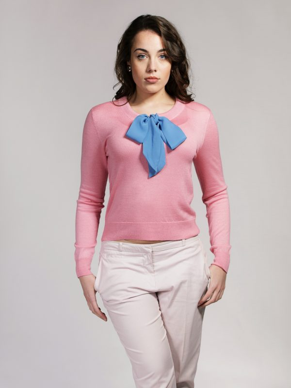Pink silk cashmere sweater with blue silk tie by Asneh