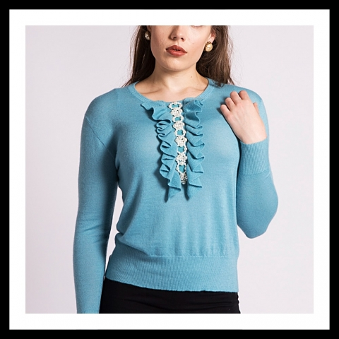 Asneh Grace cashmere sweater with pearl embroidery and frills in blue