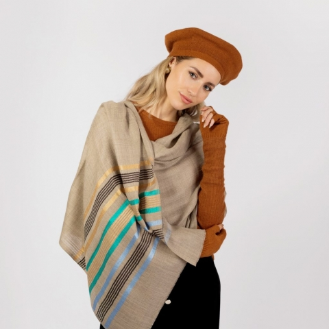 Cashmere scarf in beige by Asneh