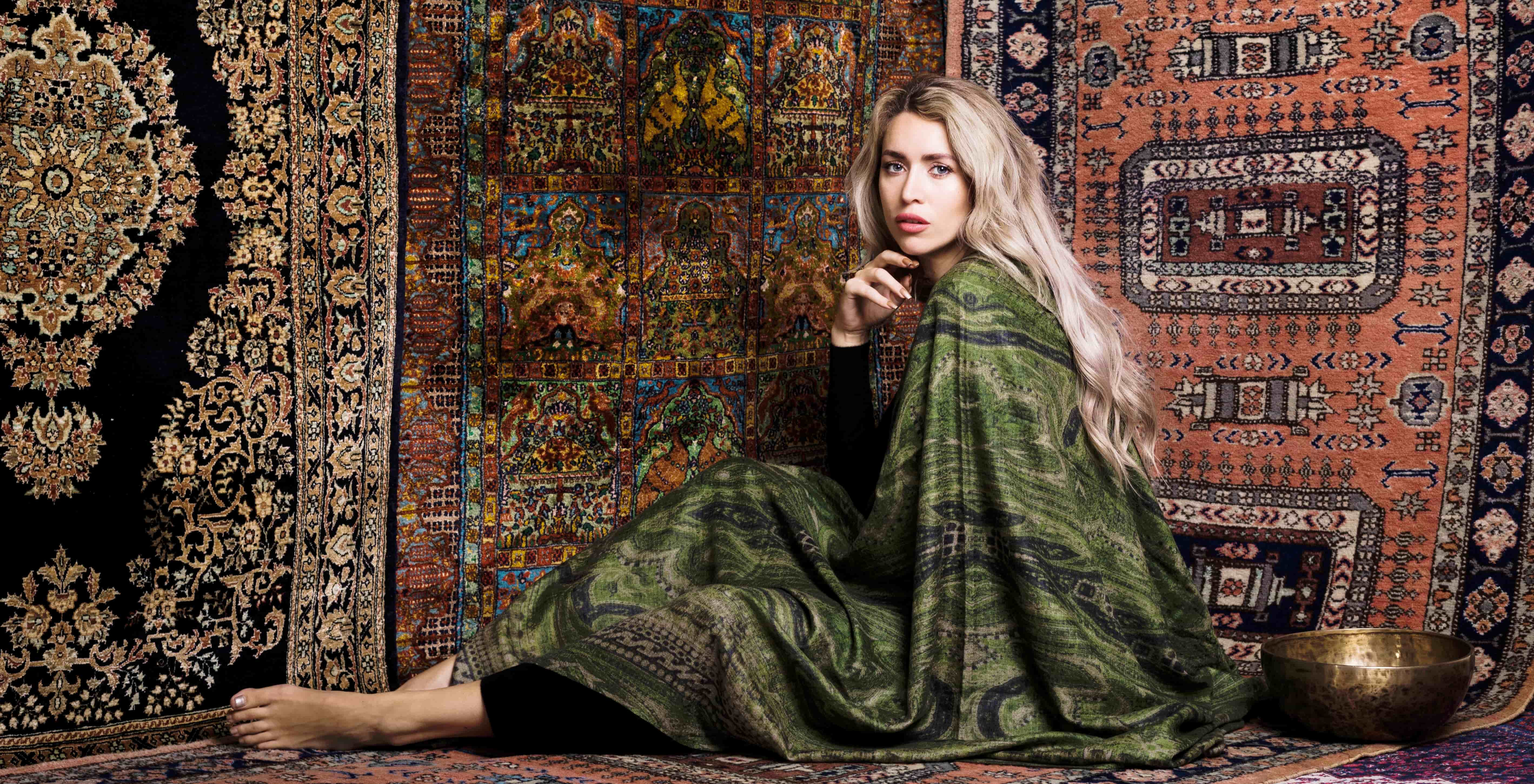 Green large cashmere shawl and black v-neck cashmere Asneh