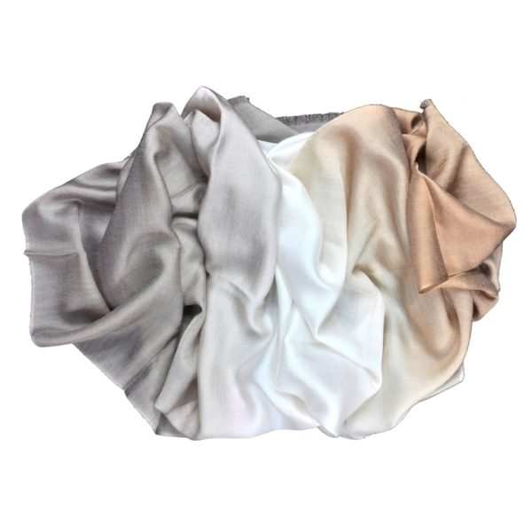 Beige scarf in silk and wool